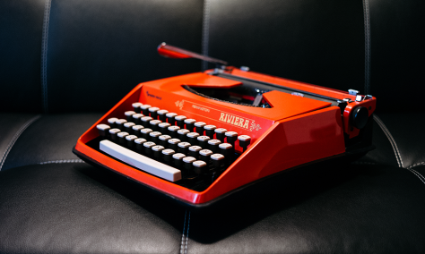 resized-typewriter-lucabravo